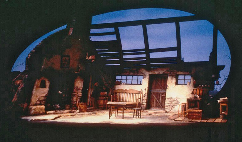 The Playboy of the Western World scenic design by Marjorie Bradley Kellogg